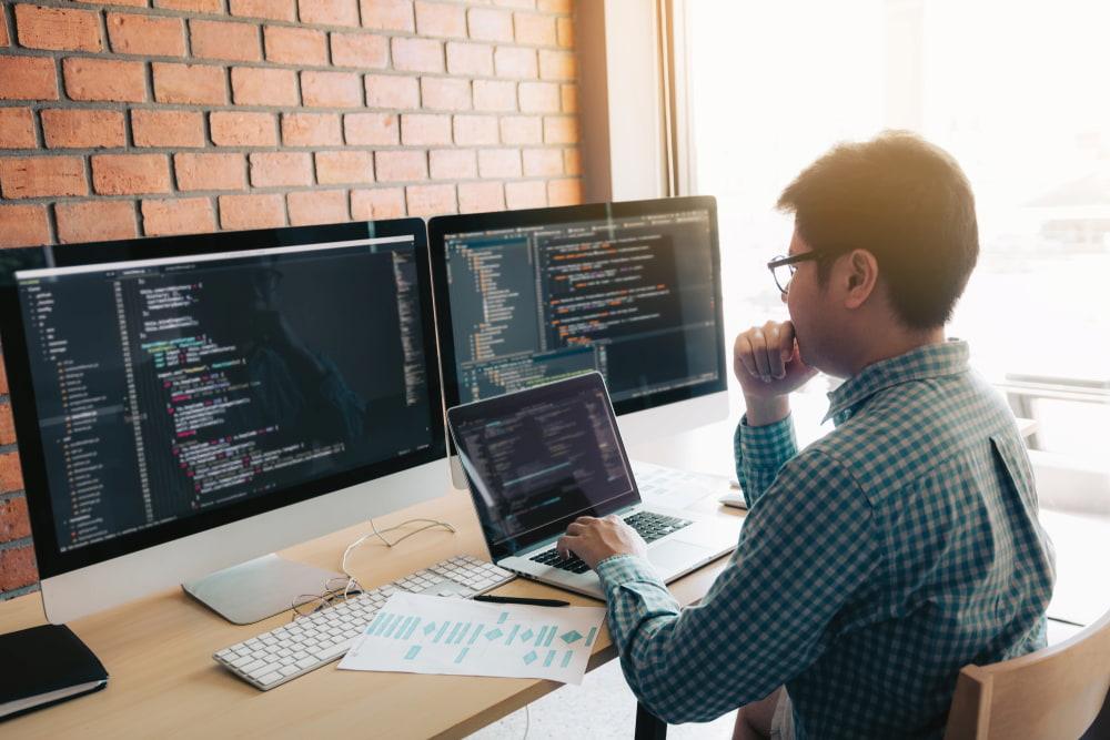 Tous les experts du Web doivent-ils savoir coder ?